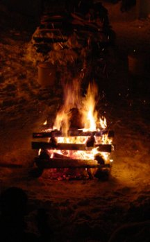9004_campfire.jpg